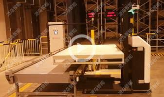 南阳胶片厂,宽叉腿AGV堆垛车自动接驳立体仓库,对接立体仓库,实现空托盘、半成品与成品的智能出入库,24H运行工作