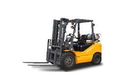 叉车是工业搬运车辆,是指对成件托盘货物进行装卸、堆垛和短距离运输作业的各种轮式搬运车辆。国际标准化组织ISO/TC110称为工业车辆。常用于仓储大型物件的运输,通常使用燃油机或者电池驱动。