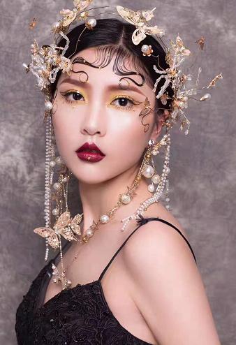 长沙贺加贝化妆培训机构为什么好?为什么那么多人关注呢?