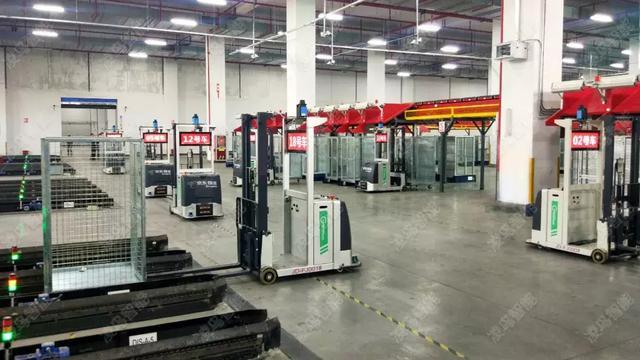 智能搬运机器人在仓库仓储中地位如何?仓储物流设备有存在的必要么?